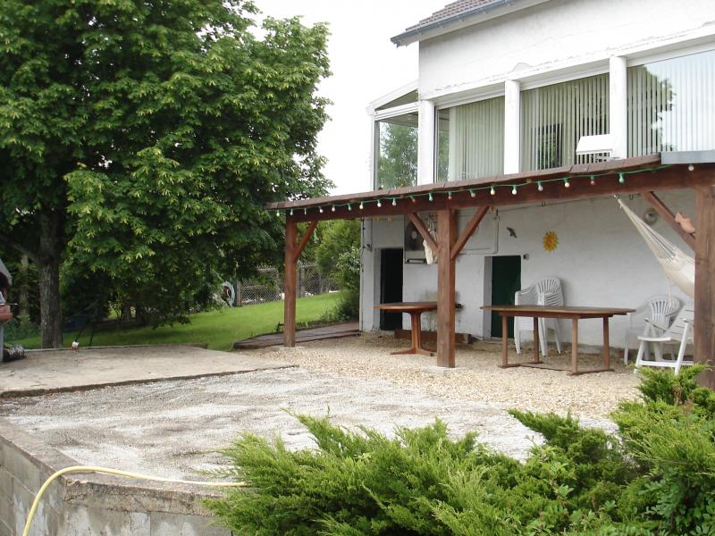 Grande maison avec piscine couverte et chauff e location for Centre de vacances avec piscine couverte