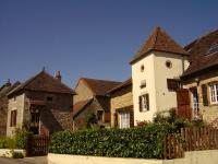 Tourenne à Couches en Bourgogne entre pré et vignes.